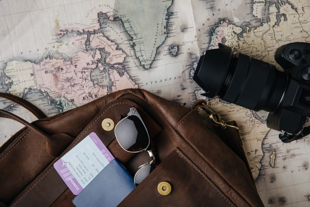 printovemedia, precitaj.online, mapa, cestovanie, zazitok, fotak, taska, pas, okuliare