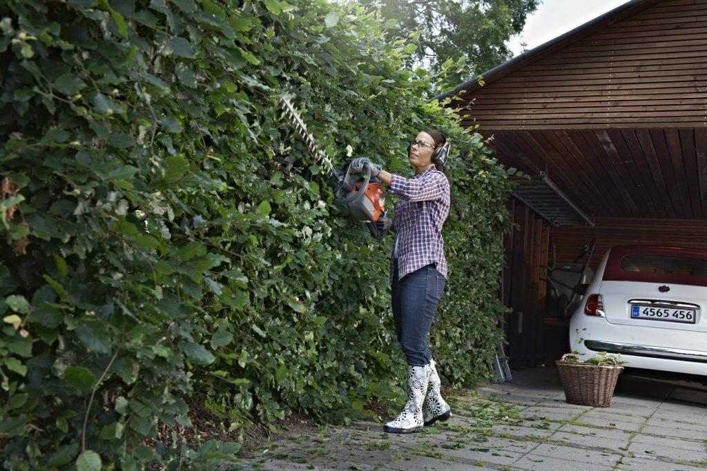 precitajonline, precitaj.online, husqvarna, plotostrih, strihanie, strihanieplotu, zahrada, krasnazahrada, zahradne naradie živý plot